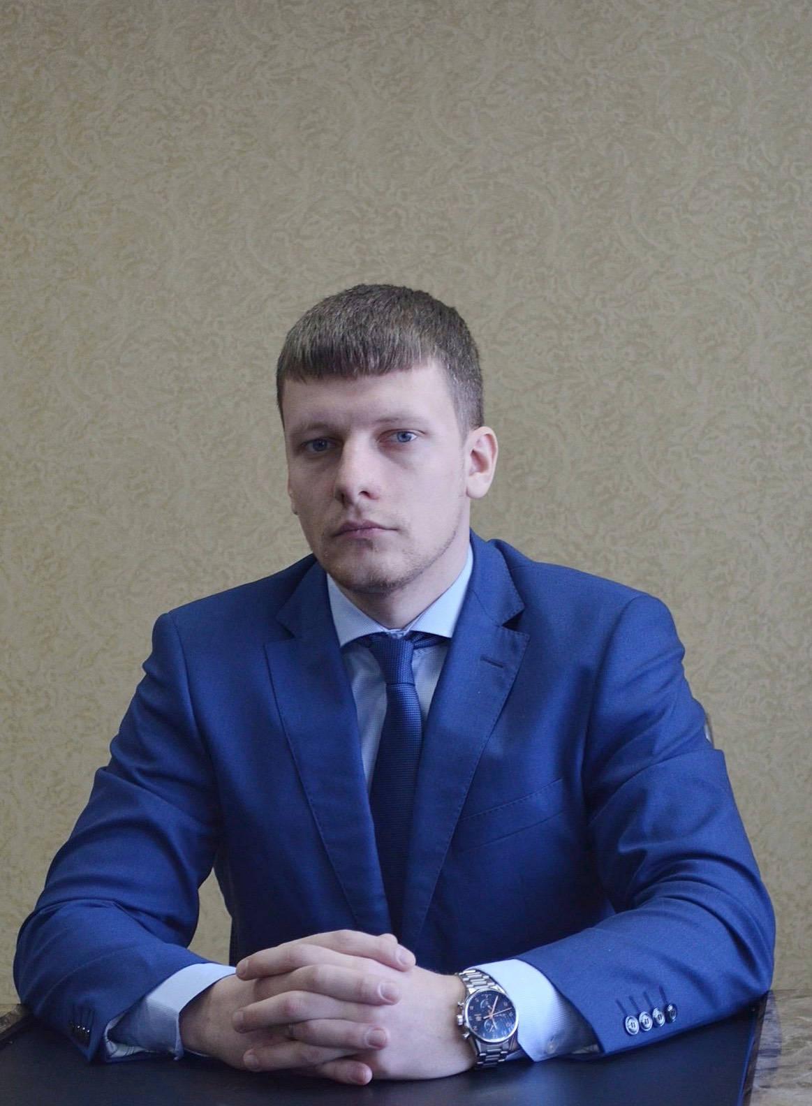 директор СтройТехСнабжение Константин Половников